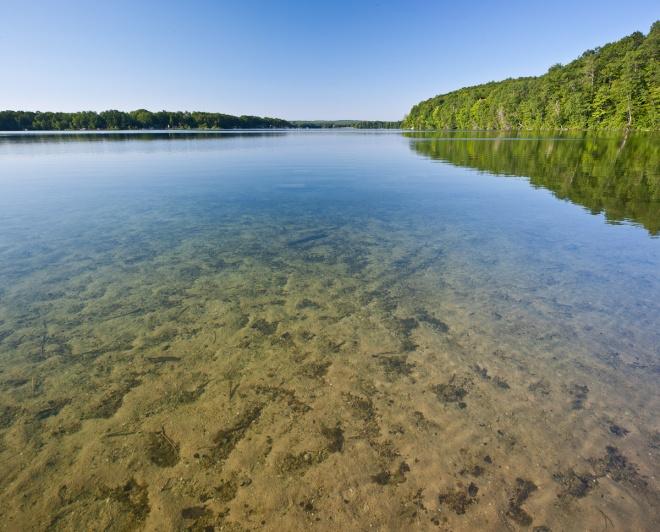 """Църква от 5. век """"изплува"""" от езеро"""