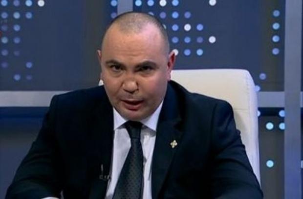 Любо Нейков търси неустойки от Росен Петров