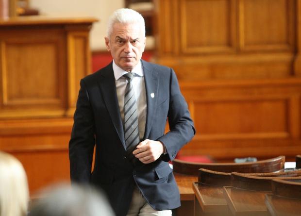 """Сидеров начело на листата на """"Атака"""" за евроизборите"""