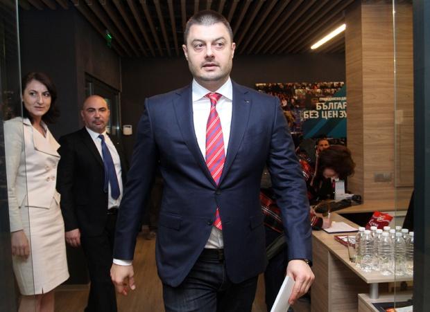 Бареков сезира прокуратурата за търговия с гласове