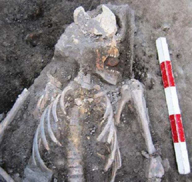 Погребват пловдивския вампир като християнин