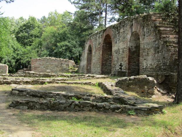 Проучват късноантична  базилика на крепостта на Хисарлъка