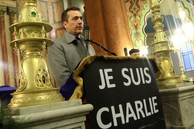 Френският посланик в Синагогата: Най-важното е да сме хора