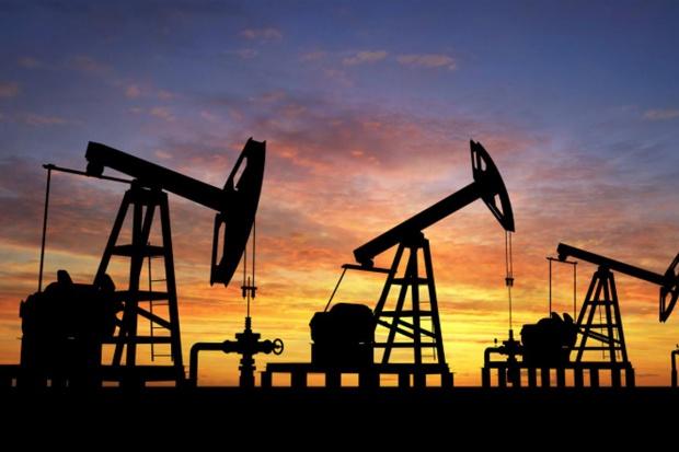 Петролът продължава да върви надолу