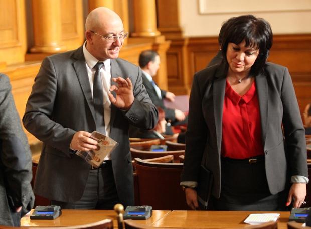 Ревизоро: Борисов е взел митниците на ръчно управление, всяка сряда им дава задачи