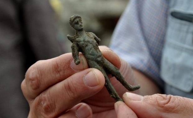 Откриха бронзова статуетка на Аполон