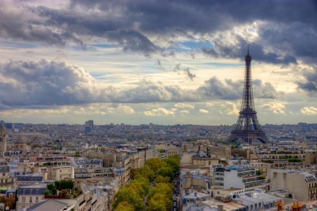 И Париж ще си има пирамида