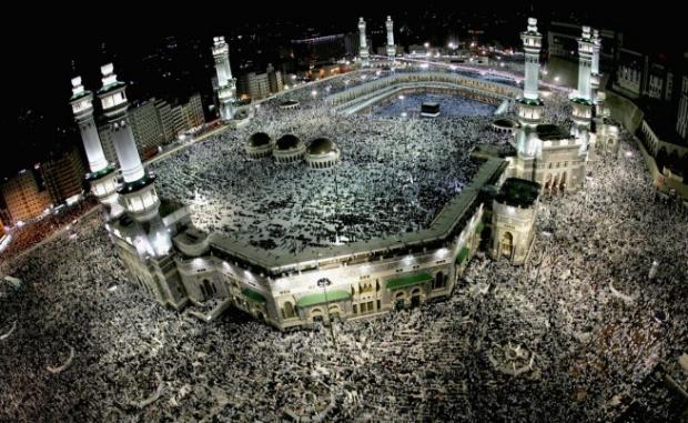 717 души загинаха, 800 са ранени,  в блъсканица по време на хаджа в Саудитска Арабия