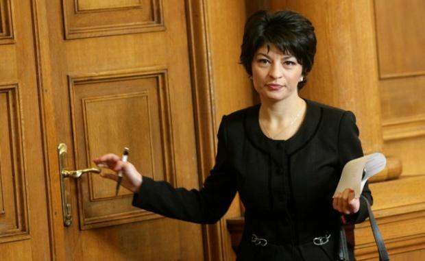 """Десислава Атанасова: Случващото се в  """"Арена Армеец"""" е нов """"Костинброд"""""""