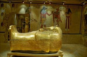 Археолози разкриха тайна гробница, вероятно принадлежала на Нефертити