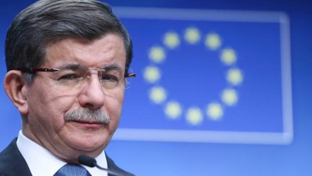 Давутоглу към ЕС: Казусът с бежанците не е въпрос на договаряне, а на ценности