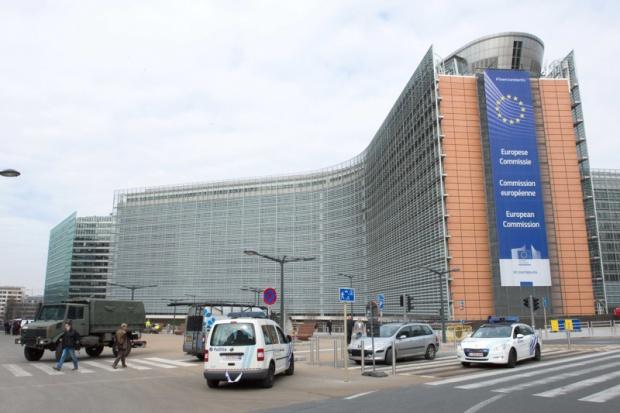 Евакуираха и сградата на ЕК в Брюксел