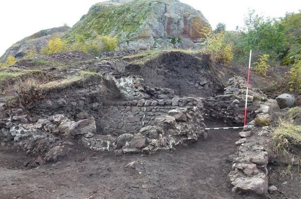 Откриха скелети на гиганти край Русокастро