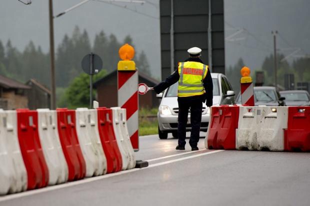 Шест европейски страни се обявиха ''за'' оставането на граничния контрол в Шенген