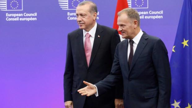 """""""Хюриет"""": Бракът по сметка на Турция със Запада върви към развод"""