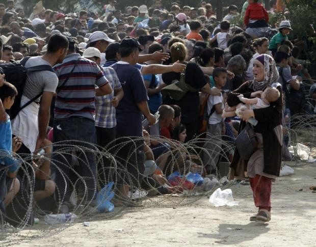 ЕК обеща на 12 200 бежанци в турски лагери, че ще намерят нов дом в Европа