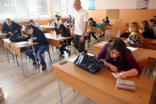 Дойче Веле: Толкова ли са слаби българските ученици?