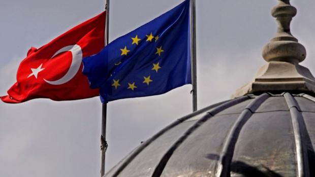 Външните министри на ЕС искат отлагане на безвизовия режим с Турция