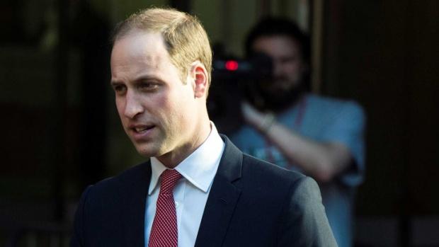 Британската корона се разголва: Принц Уилям си намери мястото на корицата на гей списание