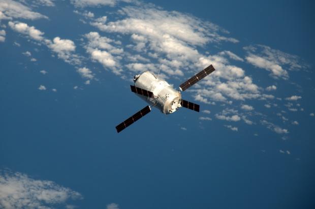 Капсулата от МКС се приземи успешно и върна трима астронавти на Земята