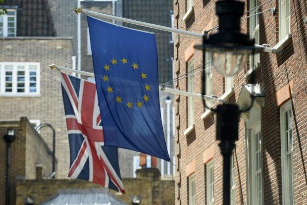 Великобритания вдига местните данъци, за да бори последиците от Брекзит