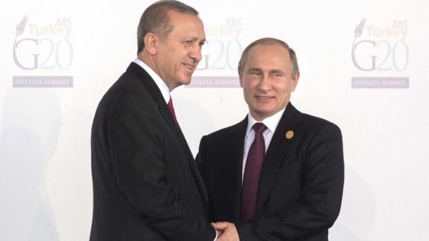 """""""Шпигел"""": Москва и Анкара като двама млади влюбени"""