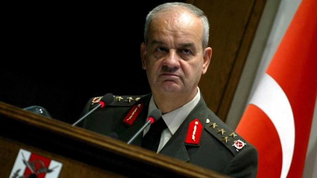 Турски генерал с 10 послания след опита за преврат