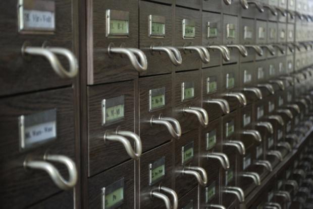 """Меглена Ангелова за тайните на архивната реставрация в лабораторията на Държавна агенция """"Архиви"""""""