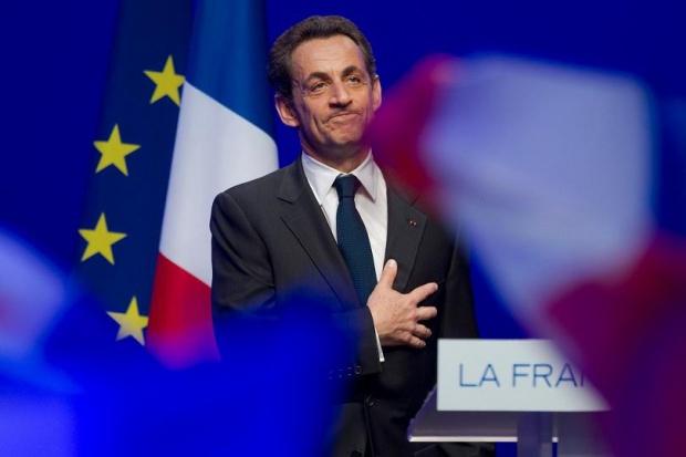 Новата любов на Саркози - референдумите