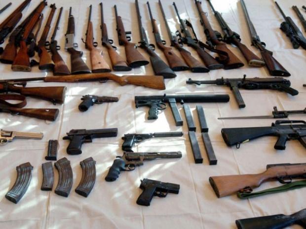 Сърби са замесени в една трета от случаите на оръжеен трафик във Франция