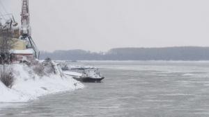 Заради ледовете спират корабите по Дунав