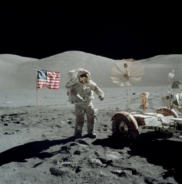 Почина Юджийн Сърнън - последният човек, стъпил на Луната