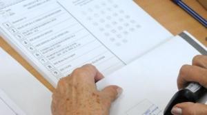 Обвиниха член на избирателната комисия в Търново във фалшицикации на референдума