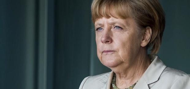 Меркел изрази съболезнования към семейството на загиналия полицай в престрелката в Париж