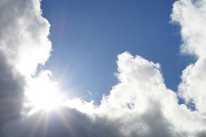 Днес ще преобладава слънчево време, но над източните и югозападните