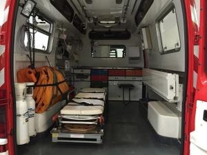 16-годишен младеж пострада сериозно, след като беше ударен от автомобил