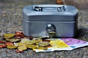 Политиците декларираха парите и имотите си, пише НОВА. В първата