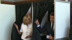Франция се готви за втория тур на парламентарните избори. Очертава