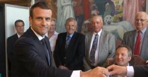 Французите гласуваха на балотаж на парламентарните избори Вторият тур най-вероятно