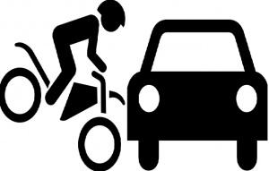 Моторист пострада при удар с автомобил в Русе. Той е