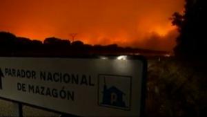 Снимка: Огнен ад! Евакуираха над 1500 души заради горски пожар в Испания