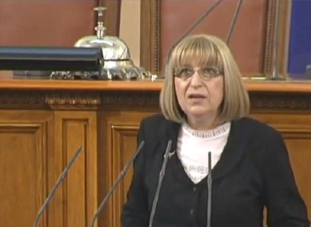 Цачева: България може да изпълни препоръките на ЕК да края на 2017 г.