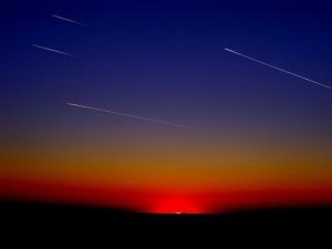 Американски астрономи установиха, чедългопериодичните комети, чиито ядра достигат не по-малко