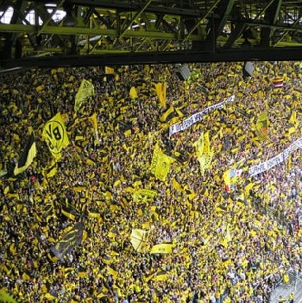 Още три сезона в Борусия Дортмунд за Кагава