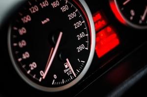 Кола с латвийска регистрацияе засечена да се движи със 152