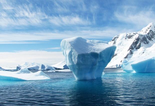 Учени откриха над 90 вулкана под леда на Антарктида