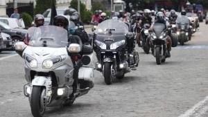 """Трима на съд заради меле в Бургас при минаването на """"Вълците на Путин"""""""