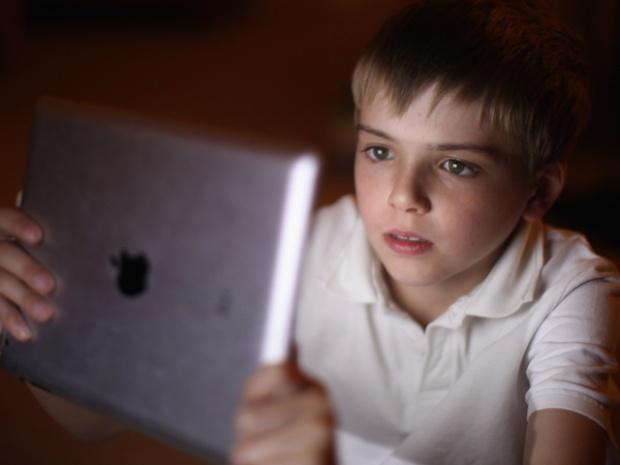 ГДБОП задържа трима души за разпространение на детска порнография