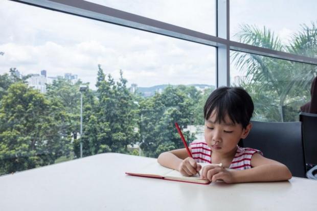 Тя е само на 10 години, но вече е студентка в Китай