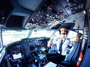 Недостигът на кадри за ръководители на полети у нас продължава,